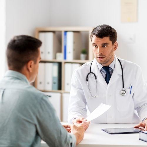 en la consulta del medico en andalucia