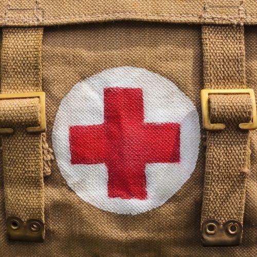 alimentos que da la cruz roja a personas necesitadas